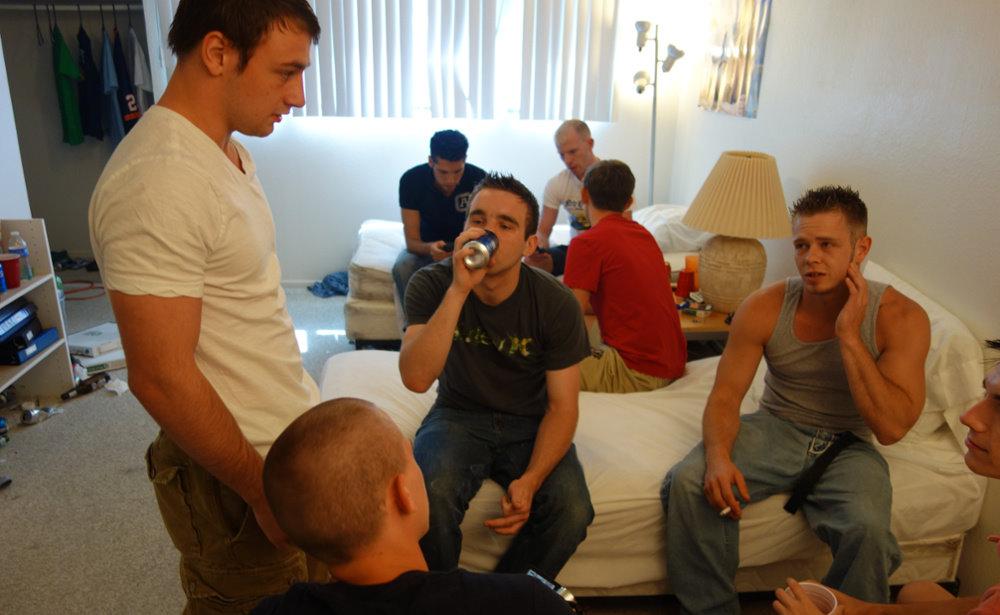 college drinking.jpg